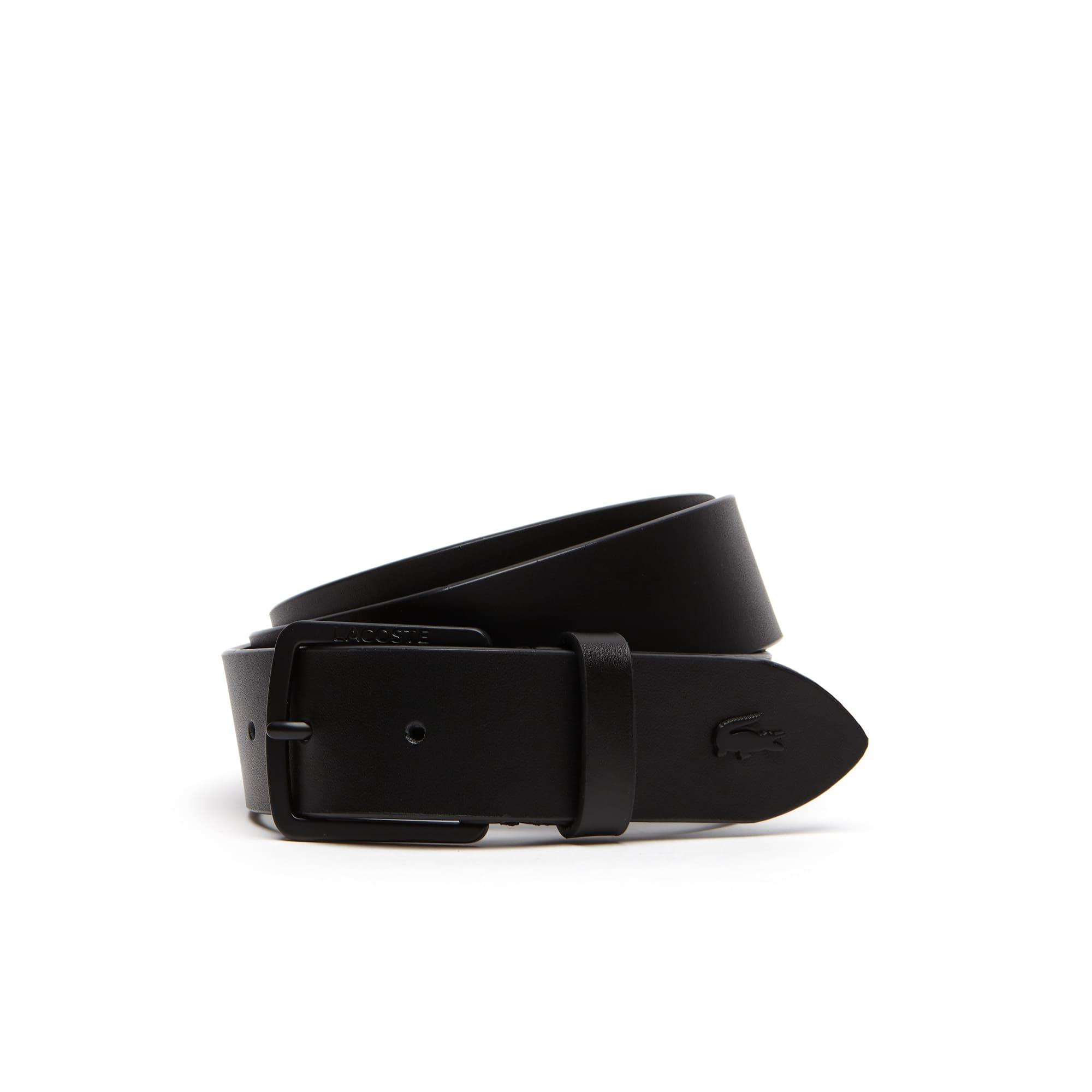 حزام من الجلد مُزوَّد بإبزيم ذي لسان محفور عليه حروف كلمة Lacoste للرجال