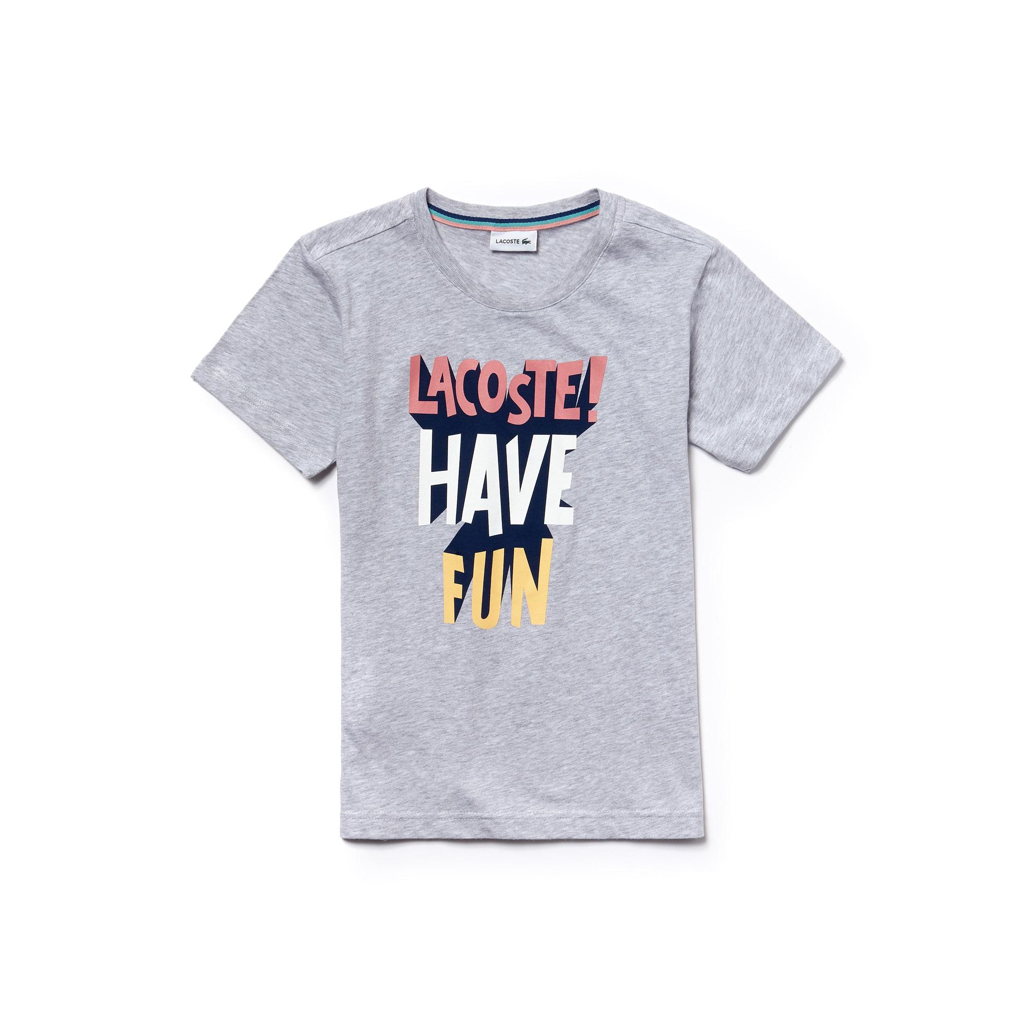 تيشيرت للأولاد برقبة مستديرة مع أحرف كلمة Lacoste في خامة  جيرسي