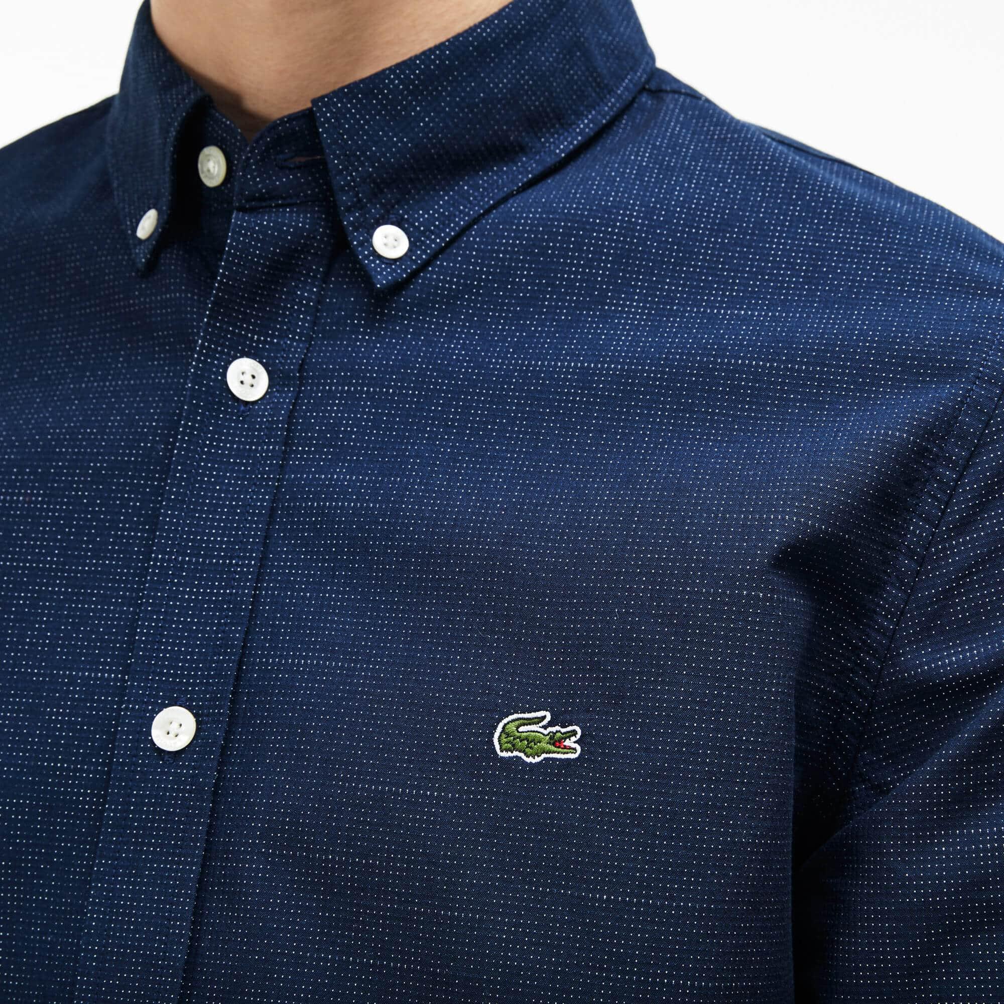 04dd4fad34d5e Camisa Slim Fit Masculina em Popeline Jacquard de Algodão com Estampa de  Bolinhas ...
