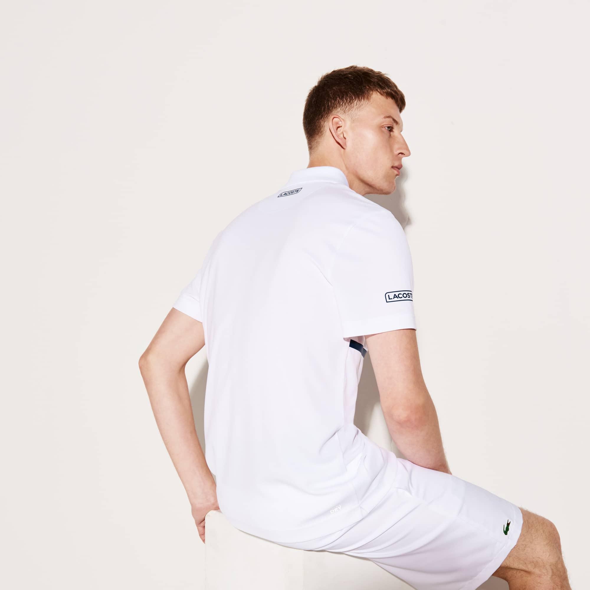 e44c886281602 Camisa Polo Lacoste Sport Tennis Masculina em Piqué Técnico com Faixas  Coloridas