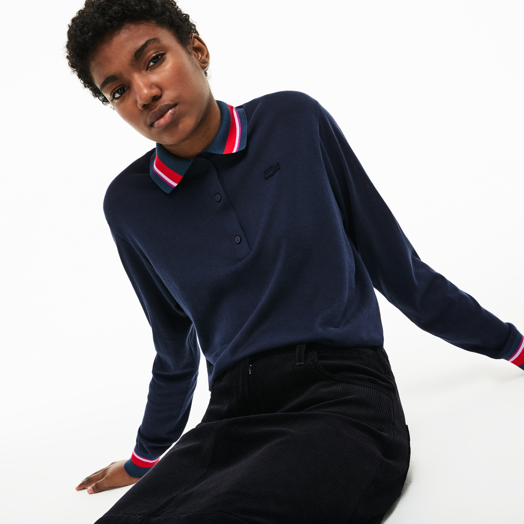 44b167e359d Suéter feminino com gola polo em jérsei de algodão e seda com detalhes nos  punhos