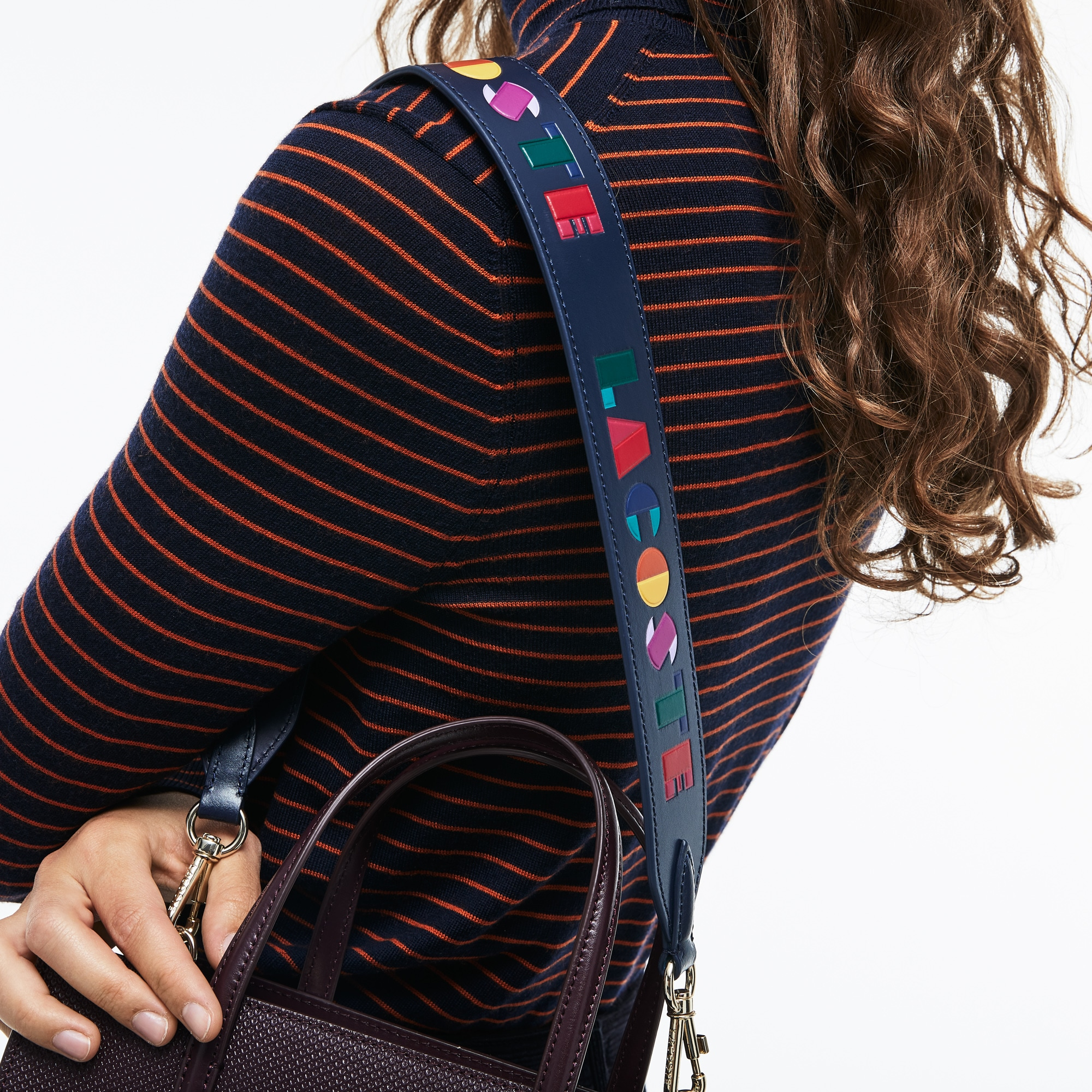 Bandoulière Fancy Straps en cuir avec marquage Lacoste coloré