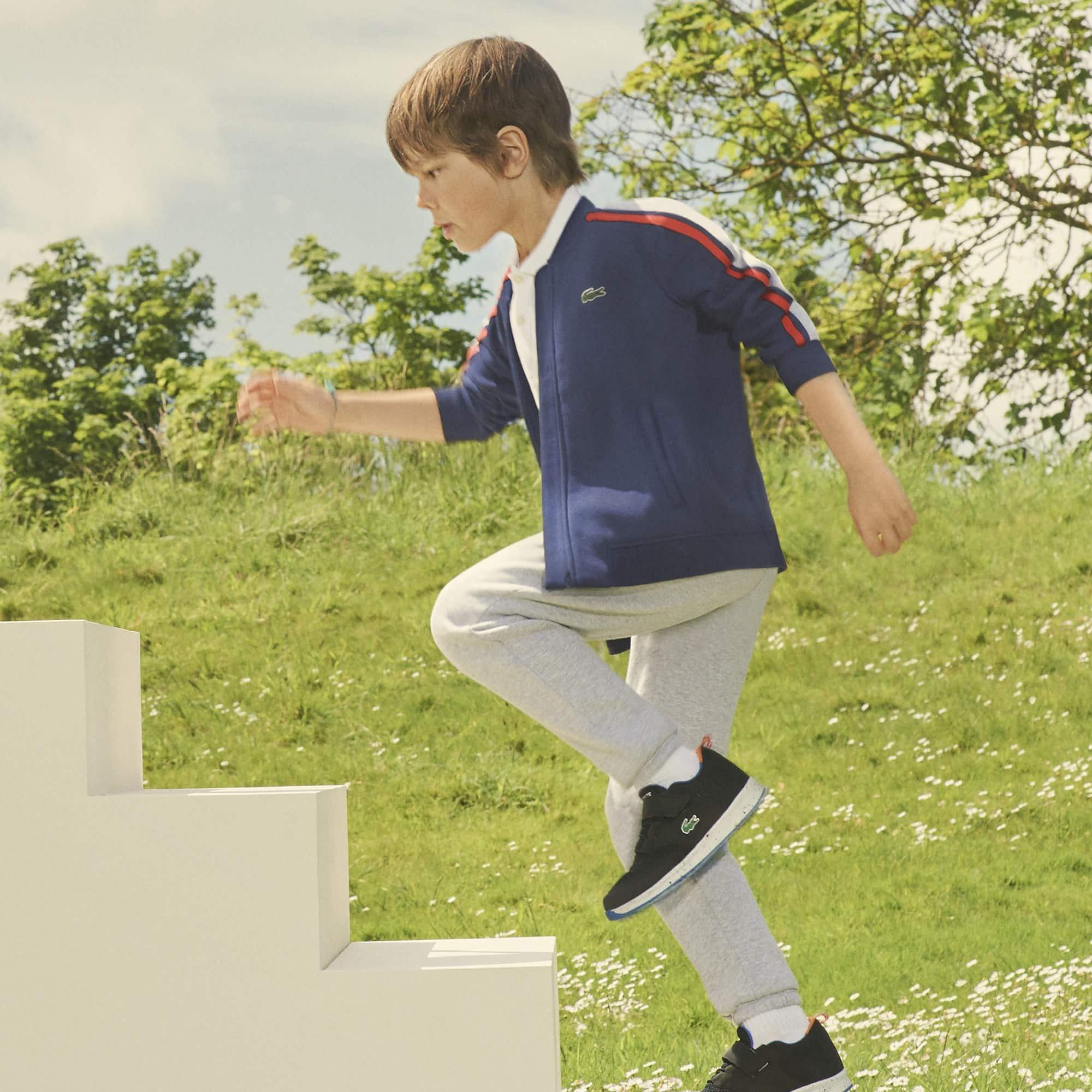 Jungen-Sweatshirt aus Fleece mit Kontraststreifen und Teddykragen