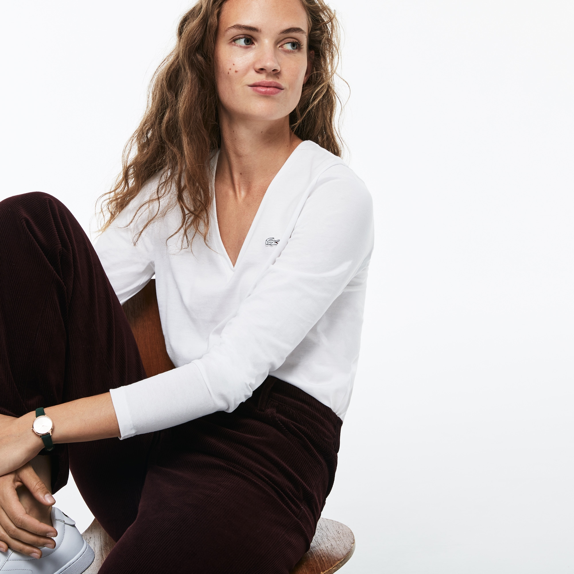Damen-T-Shirt aus fließendem Baumwolljersey mit V-Ausschnitt