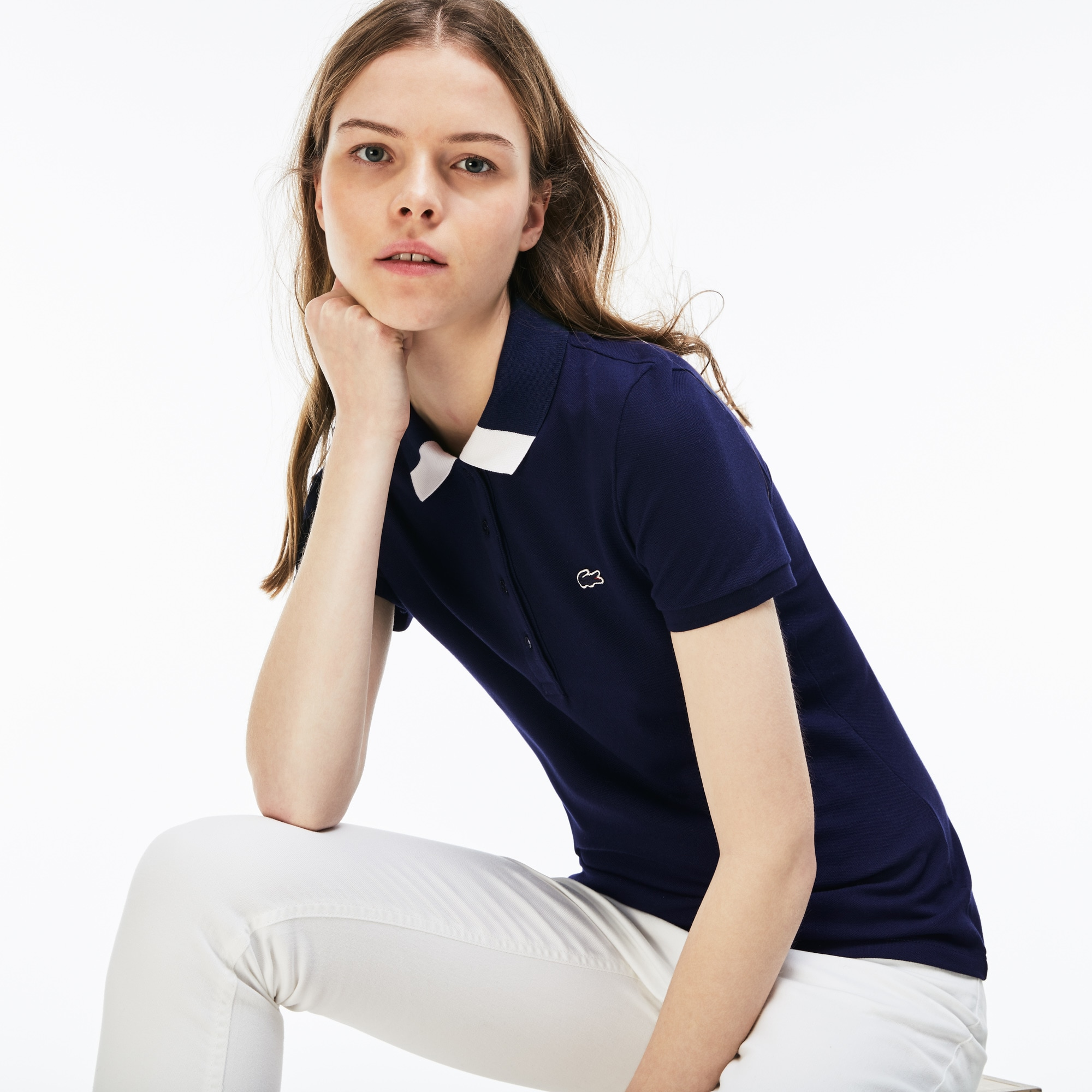 Slim Fit Damen-Polo aus Mini-Piqué mit zweifarbigem Kragen