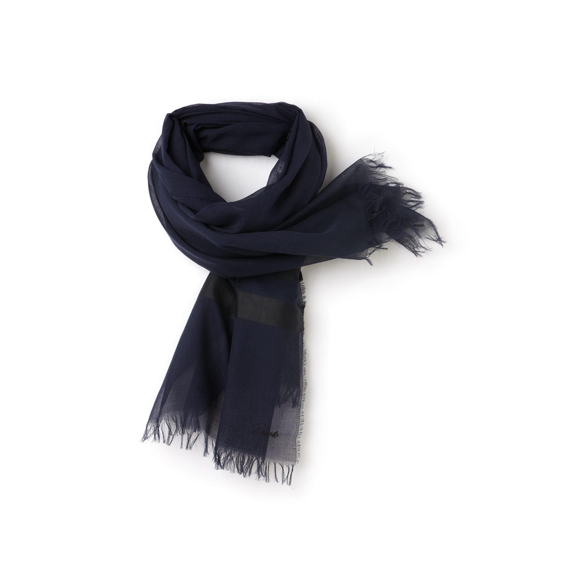 Leichter gestreifter Schal