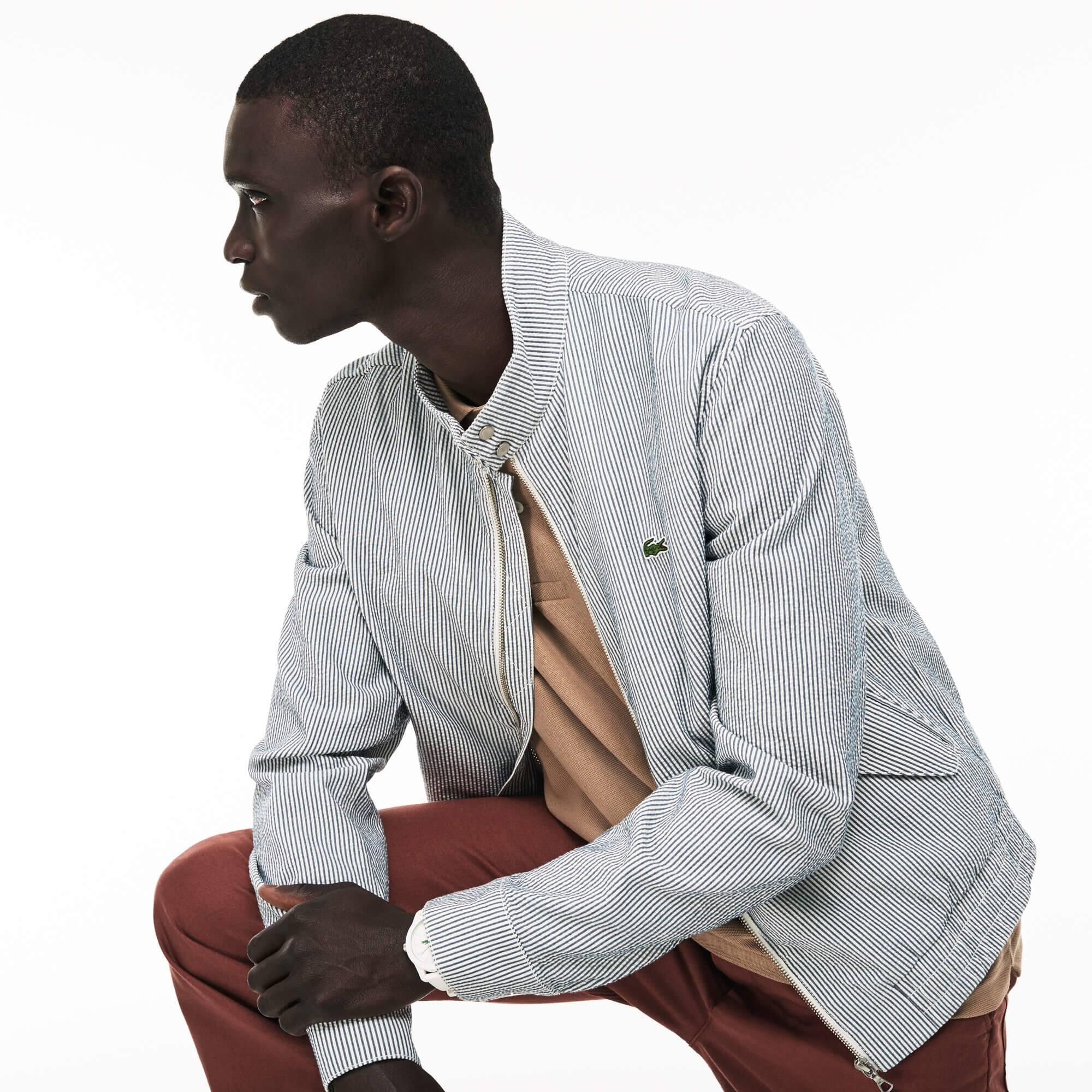 Kurze Herren-Jacke aus gestreiftem Seersucker mit Reißverschluss