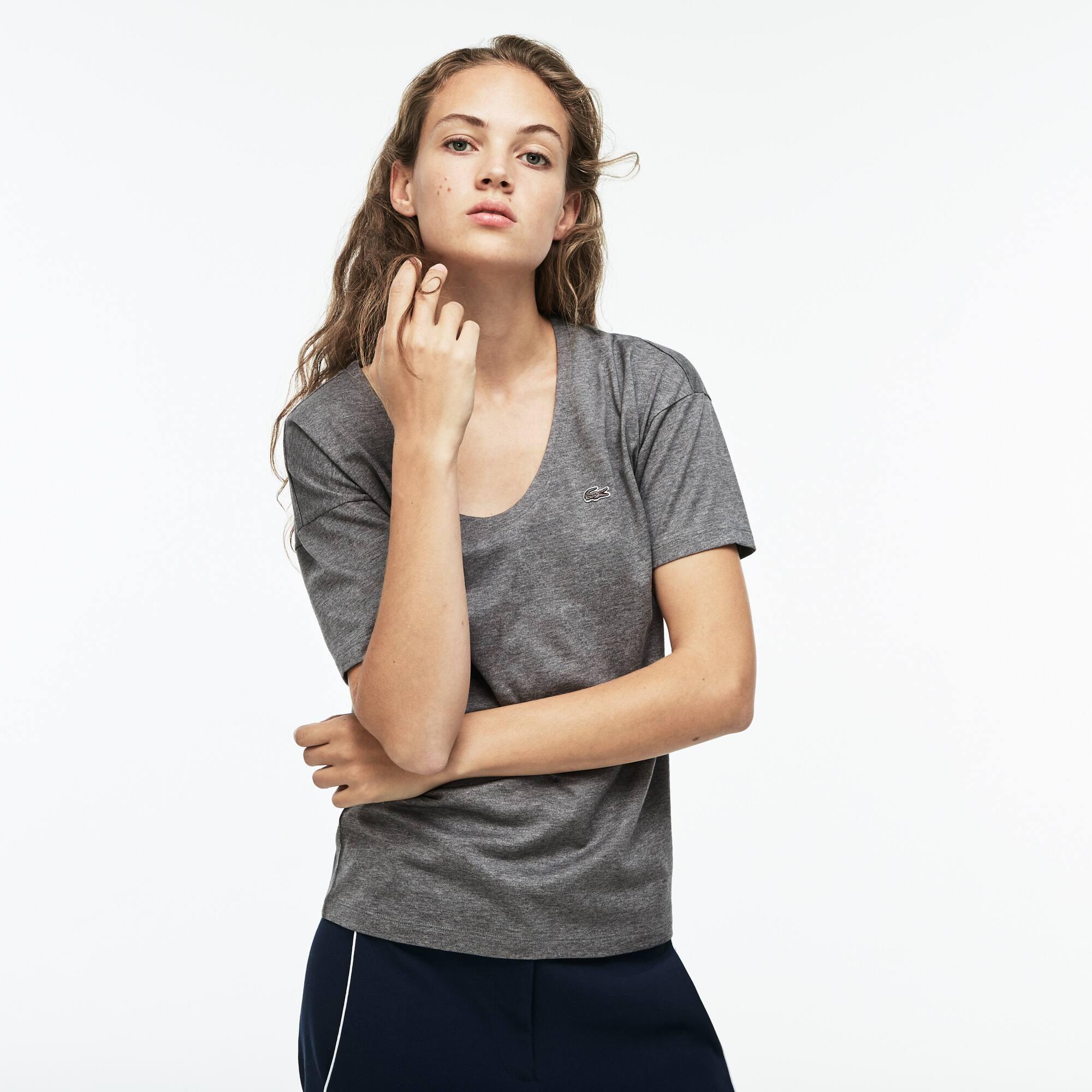 Damen-T-Shirt aus weichem Baumwolljersey mit breitem Ausschnitt