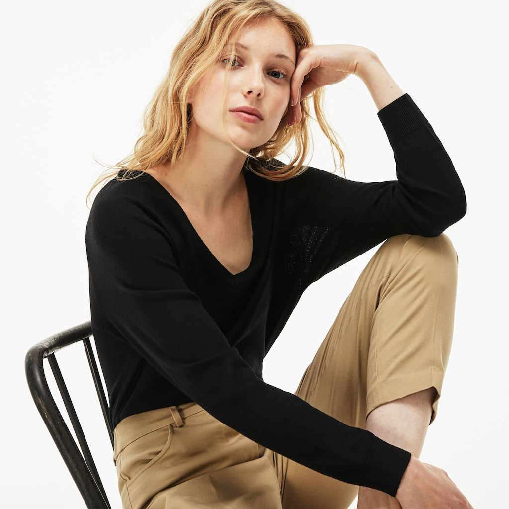 Women's V-neck Wool Jersey Sweater