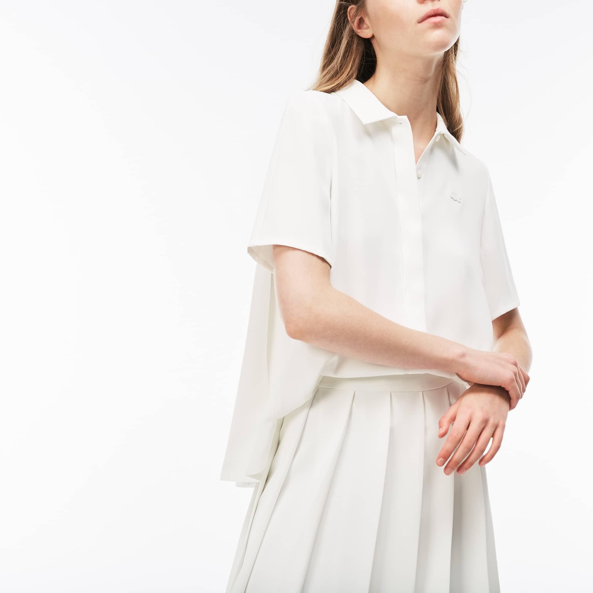 Camisa regular fit con mangas tres cuartos de crepé liso