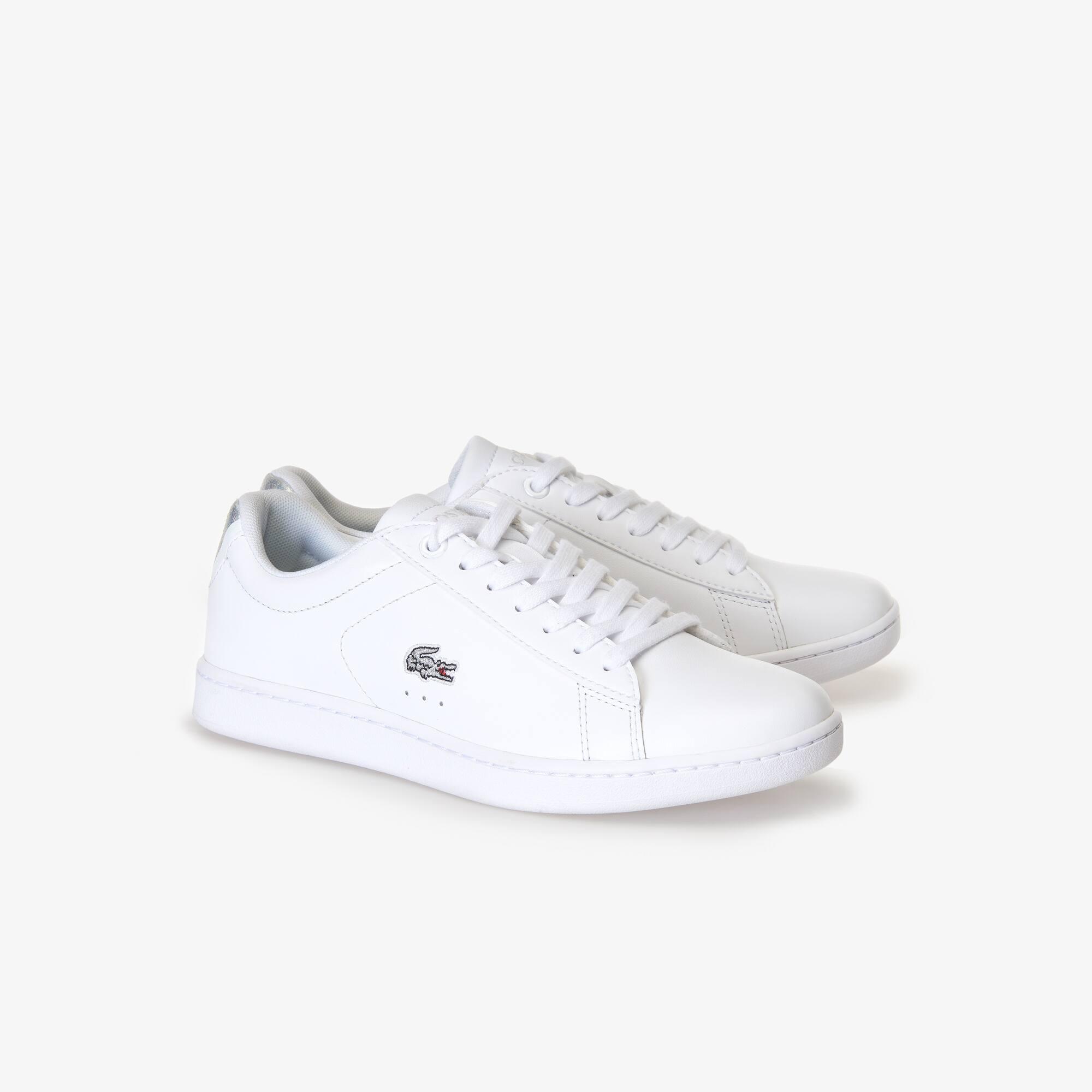 HolographiqueLacoste Femme Cuir Sneakers Carnaby En Evo 0wPZ8NknOX