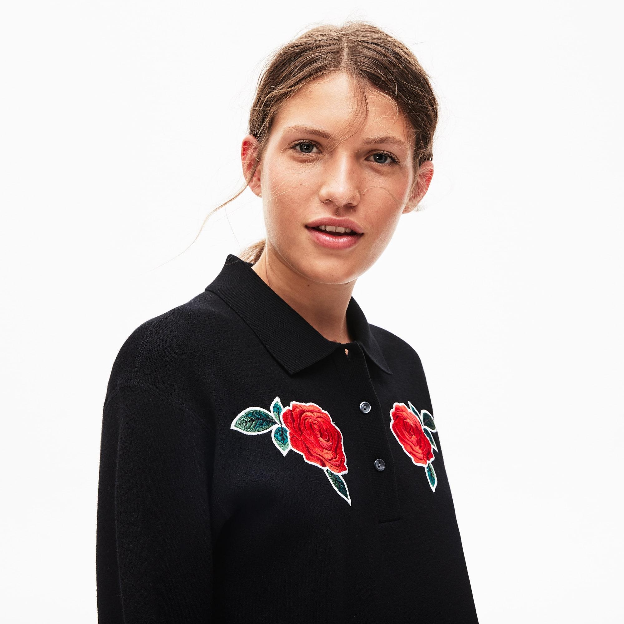 Pull court à col polo Lacoste LIVE avec roses