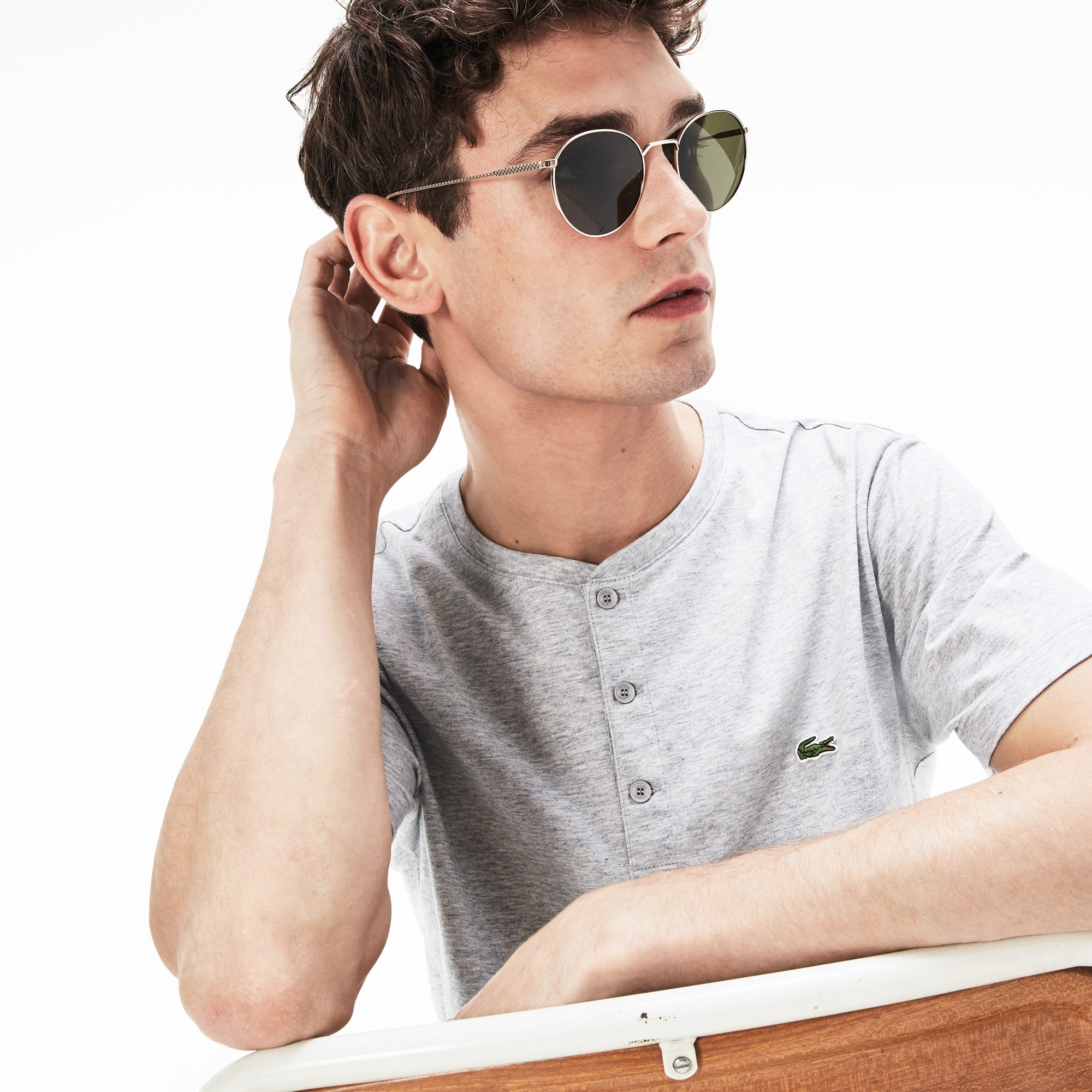 T-shirt con collo a serafino in jersey di cotone Pima tinta unita