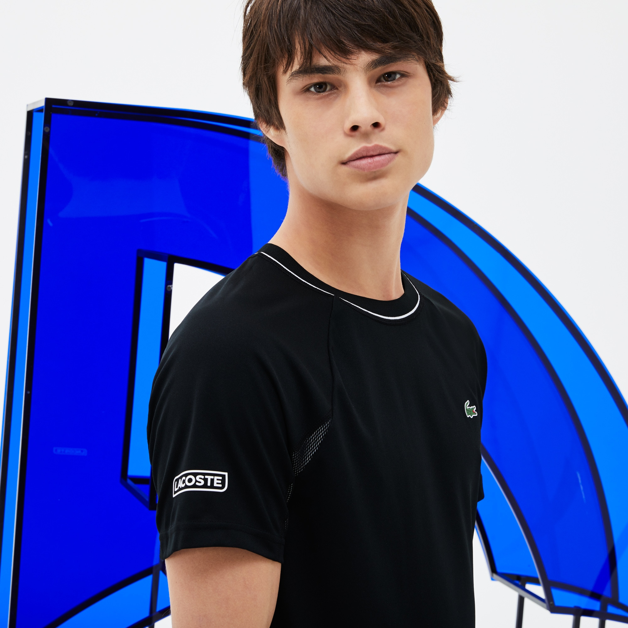 T-shirt decote redondo Lacoste SPORT COLEÇÃO NOVAK DJOKOVIC SUPPORT WITH STYLE em piqué técnico e mesh