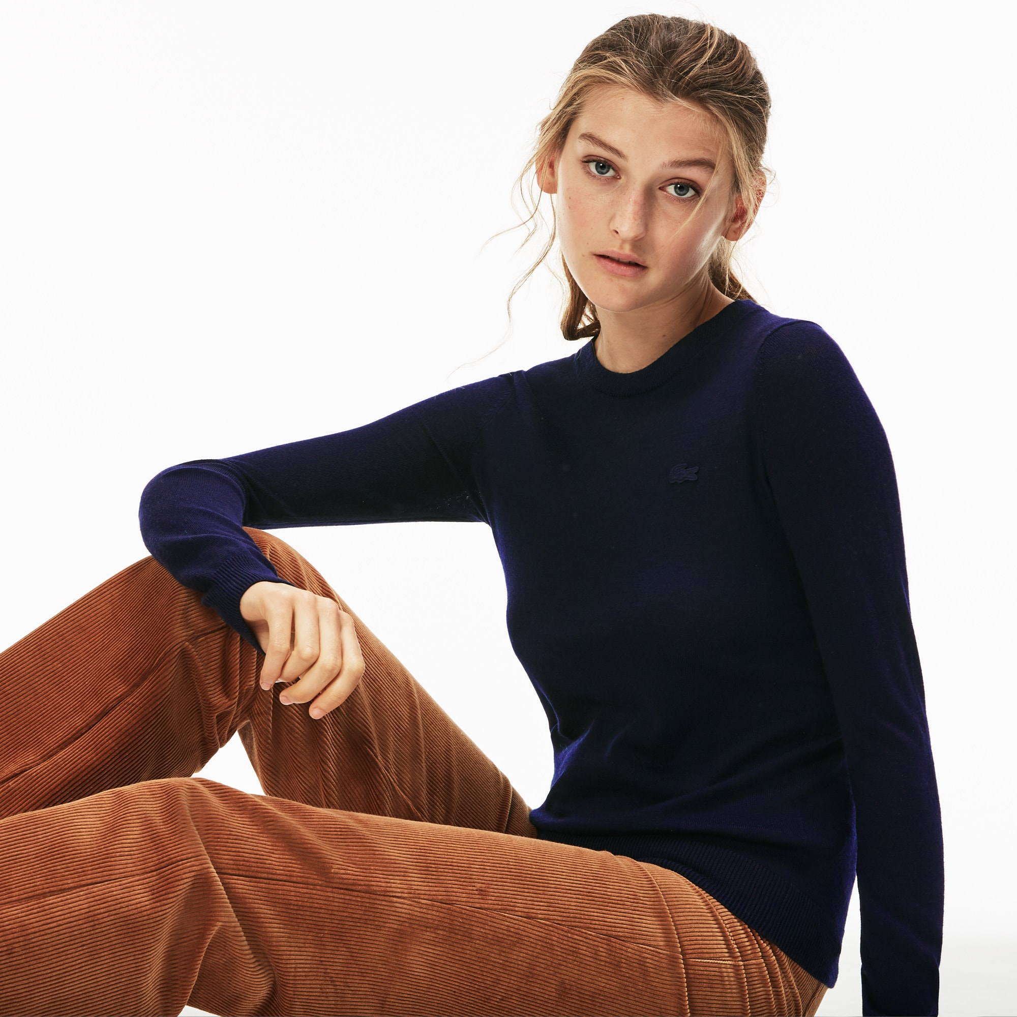 Camisola decote redondo em jersey de lã unicolor
