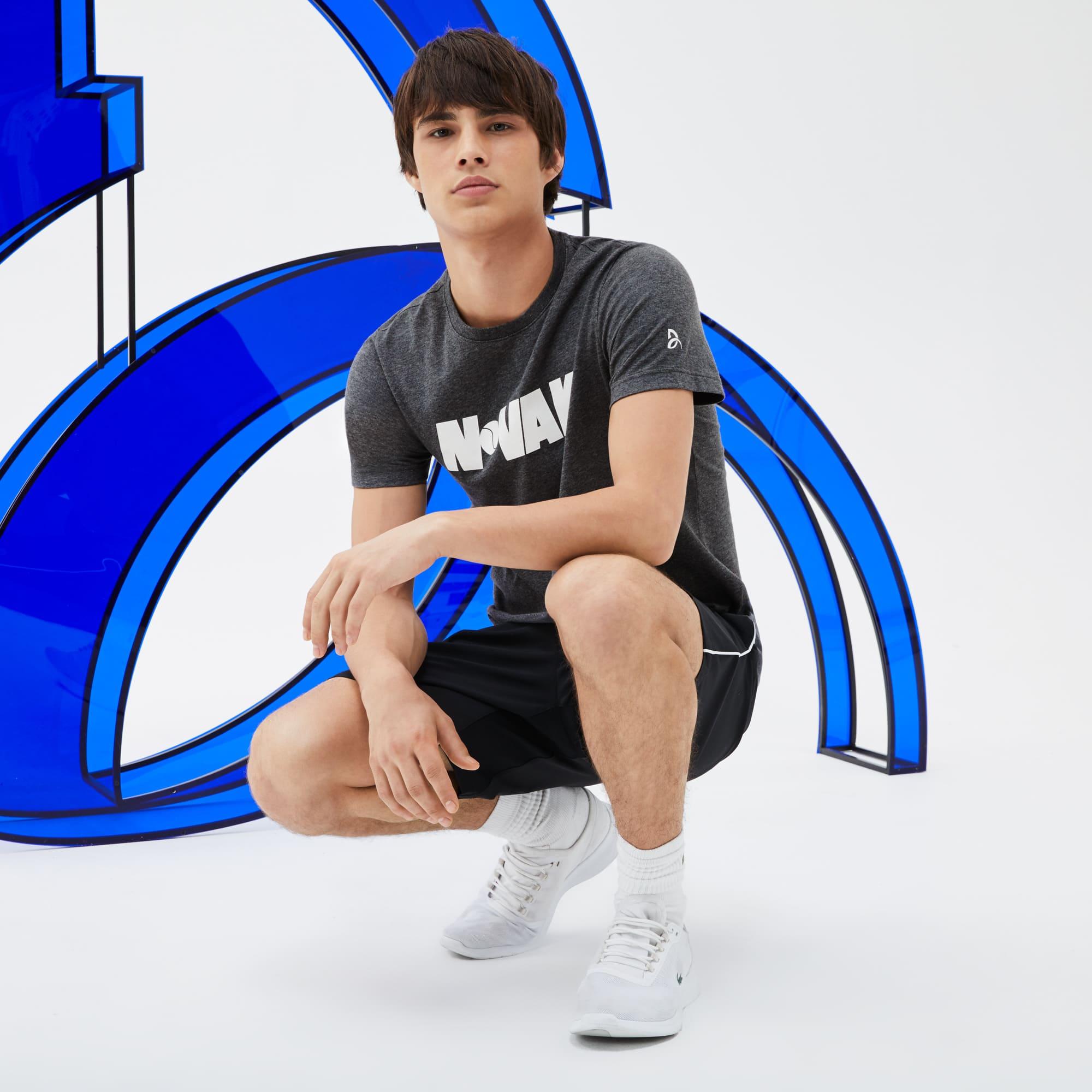 T-shirt decote redondo Lacoste SPORT COLEÇÃO NOVAK DJOKOVIC SUPPORT WITH STYLE em jersey técnico