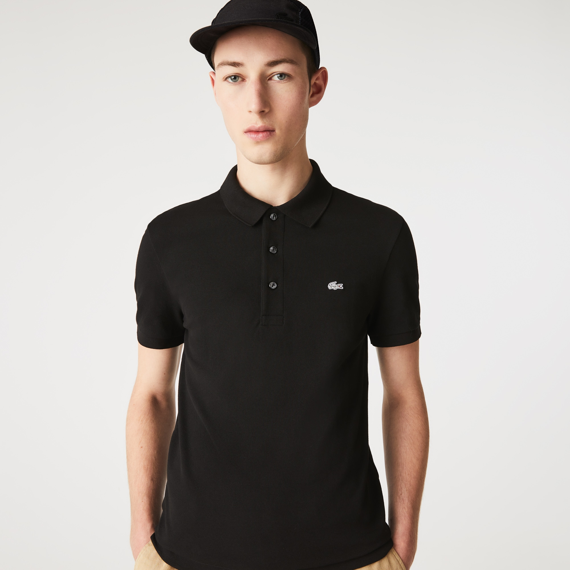 Polo Lacoste slim fit em petit piqué stretch unicolor