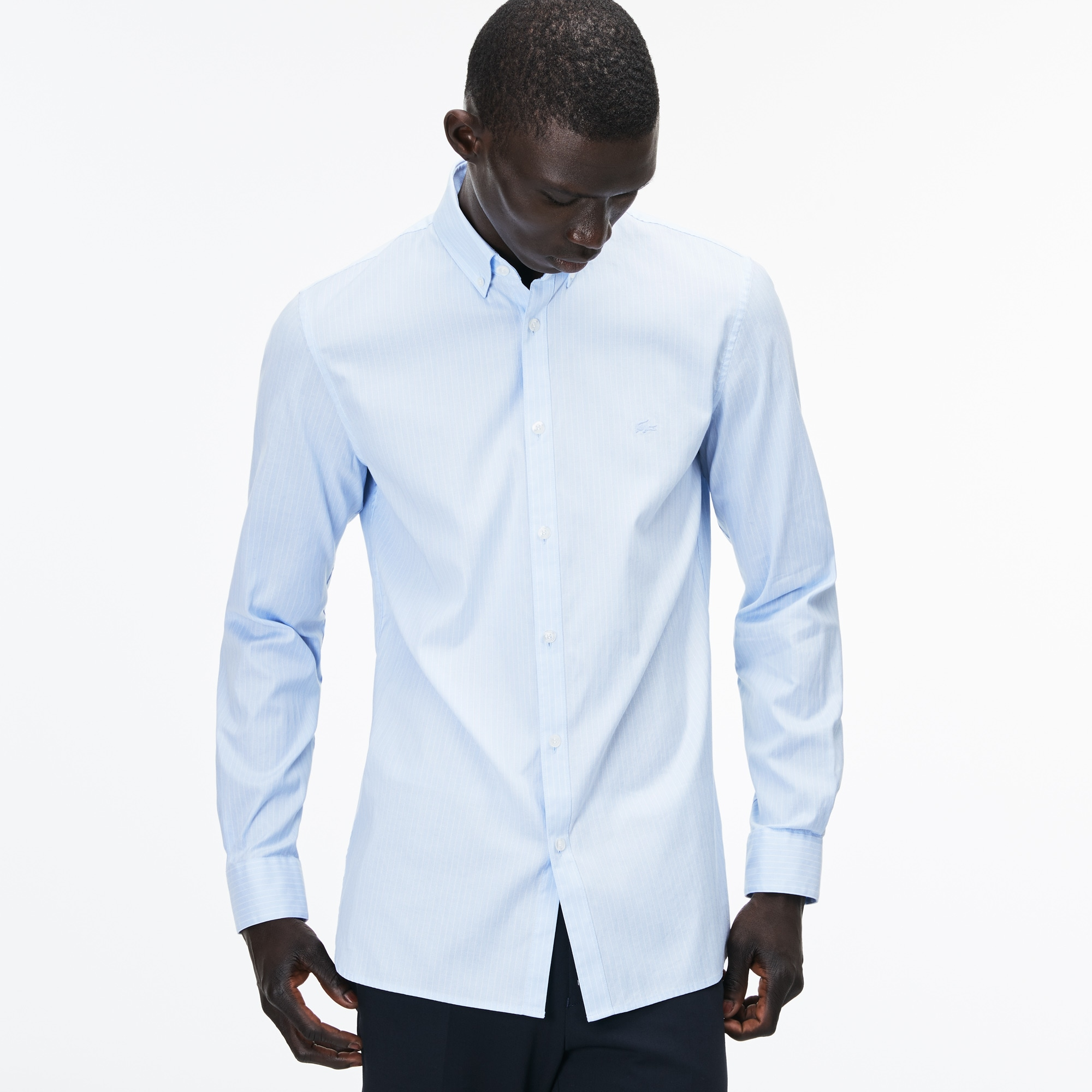 Camisa slim fit em pinpoint de algodão stretch às riscas