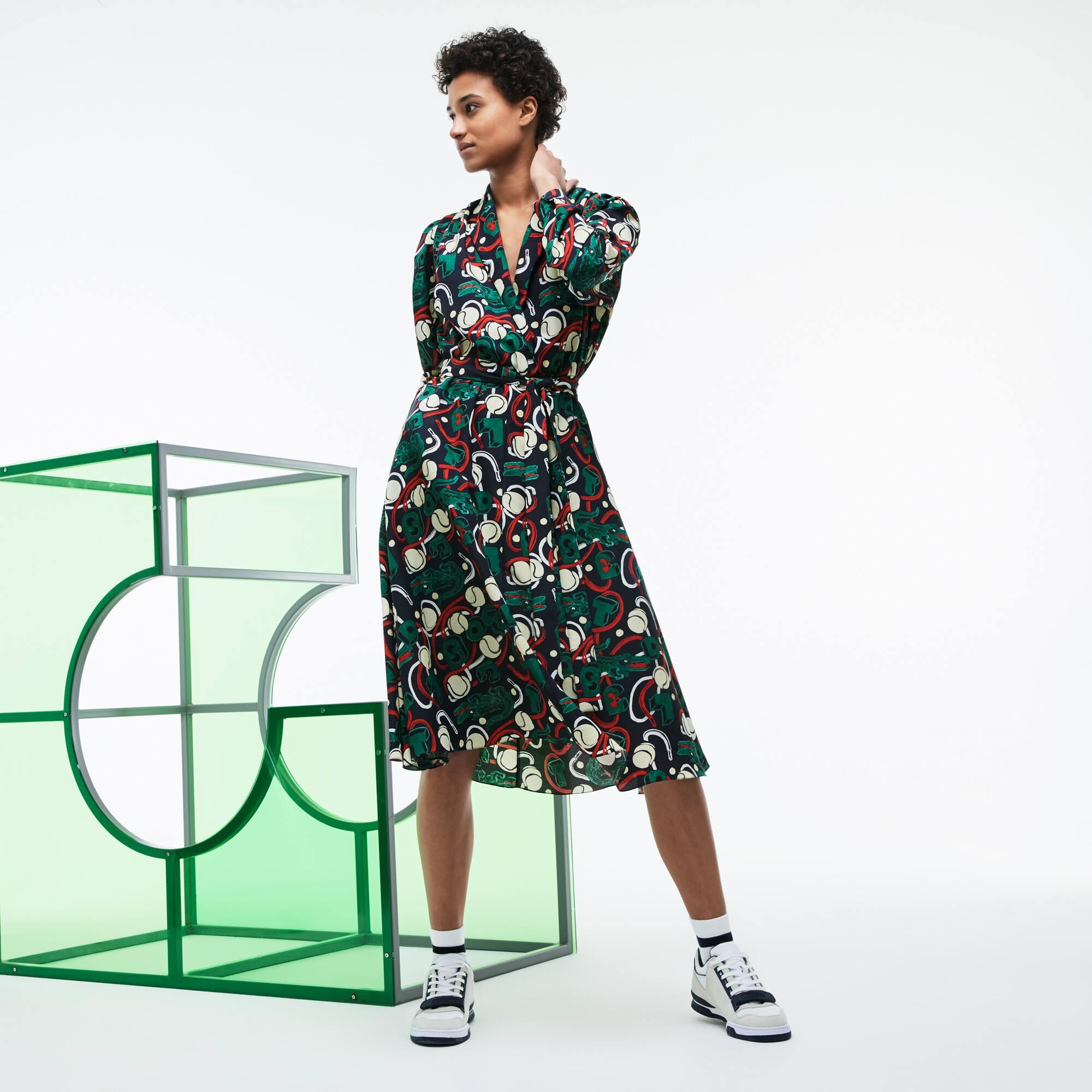 Vestido de trespasse em malha com impressão em colaboração com a MM Edição Desfile
