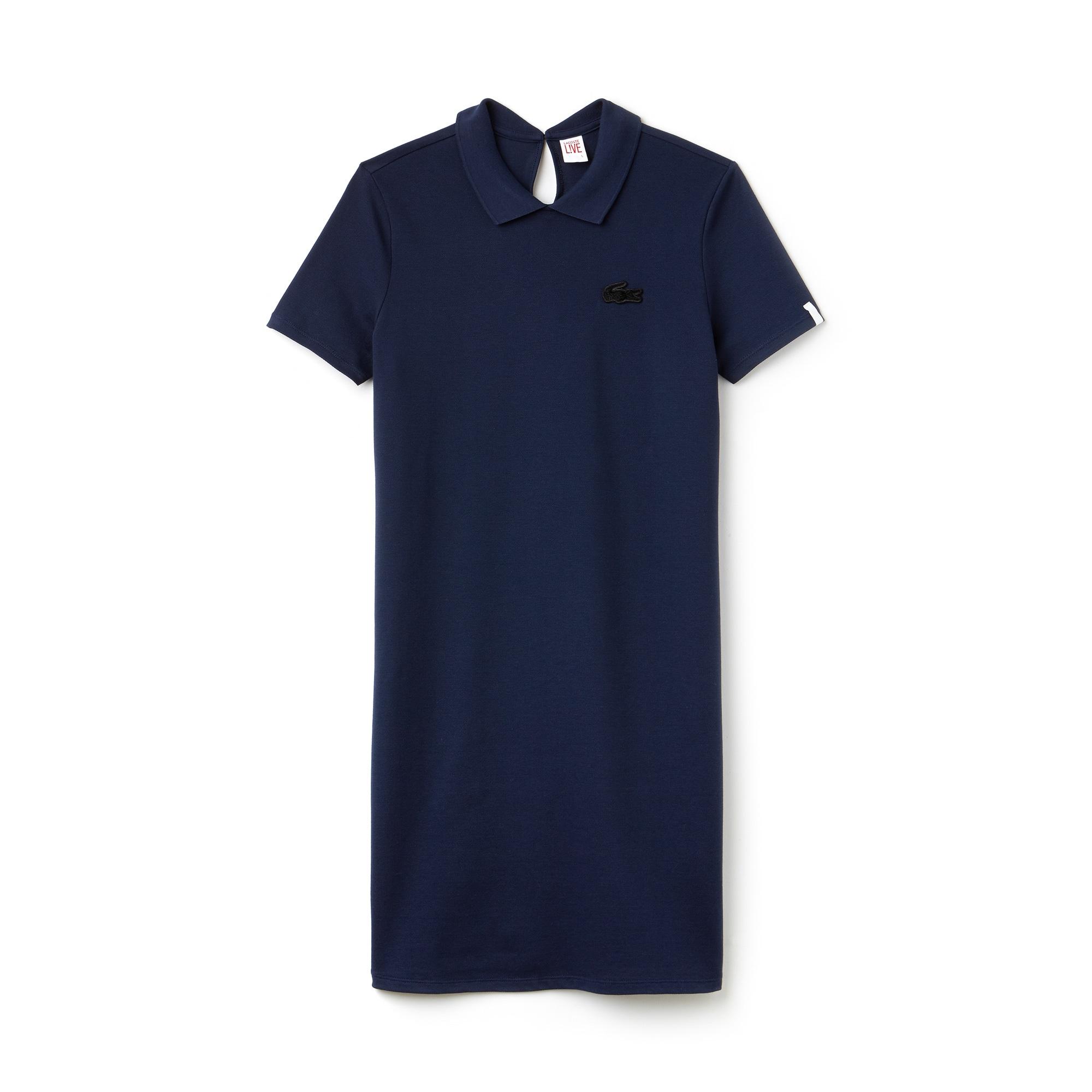 Vestido polo Lacoste LIVE em mini piqué stretch com abertura nas costas