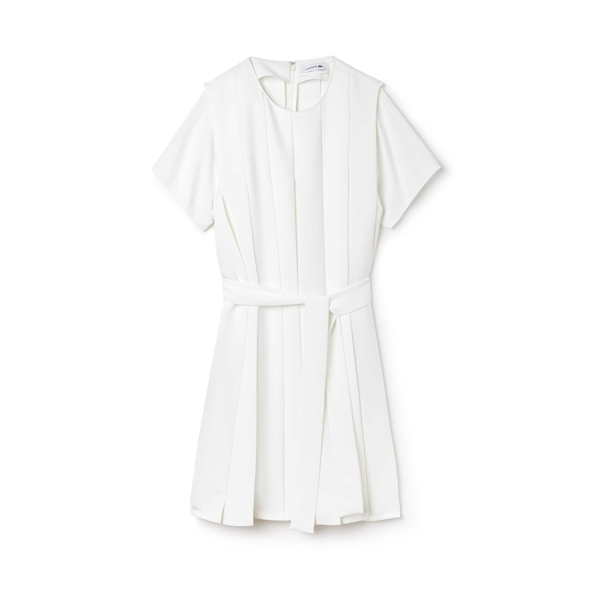 Vestido plissado com mangas três quartos em crepe unicolor
