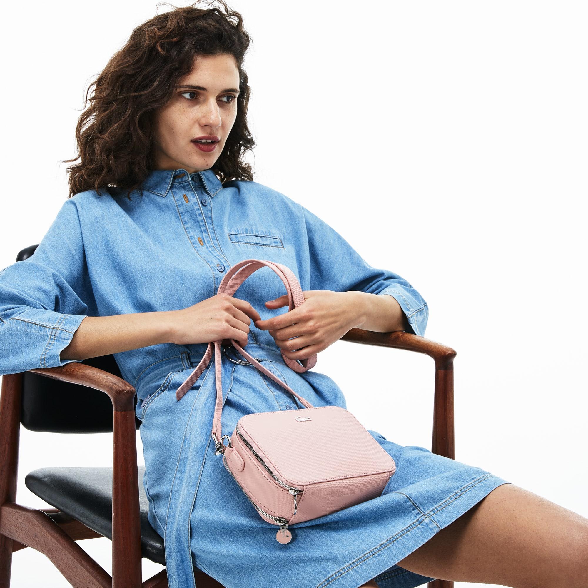 f9266521b8cb9 وصل حديثاً. حقيبة كتف نسائية بسحابين من الكنفا والبيكيه بتصميم كلاسيكي  لإطلالة يومية أنيقة